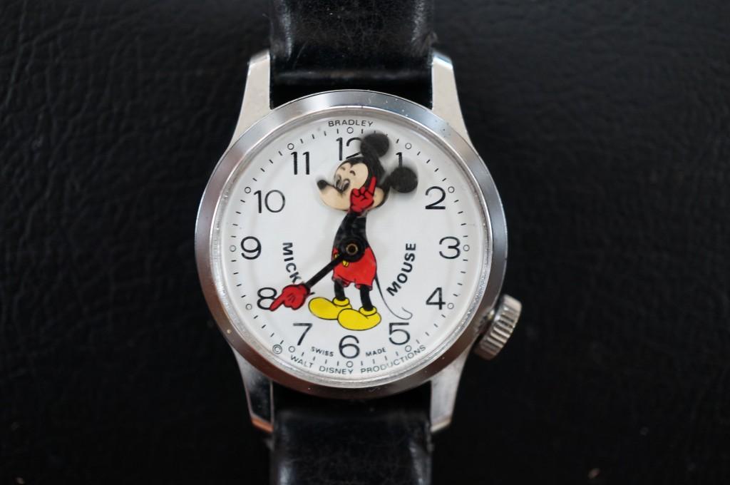 No.307  MICKEY MOUSE ゼンマイ式 腕時計を修理しました