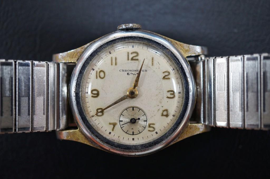 No.308  CHRONOMETER ゼンマイ式 腕時計を修理しました