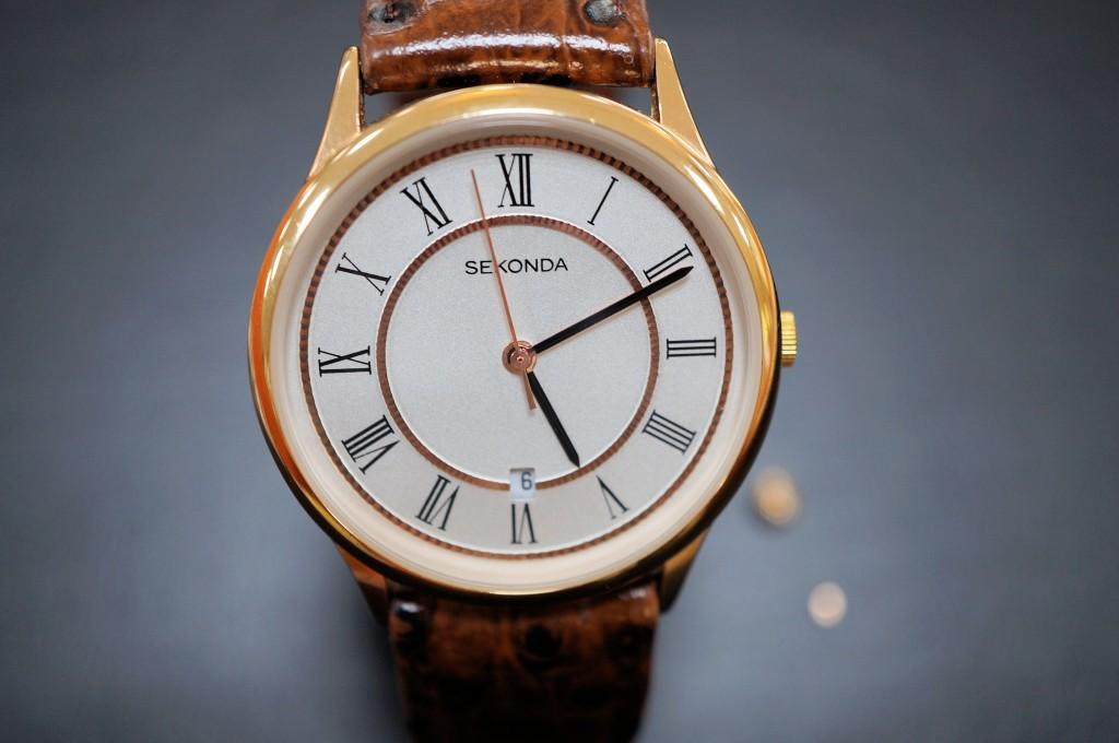 No.350 SEKONDA  クォーツ腕時計を修理しました