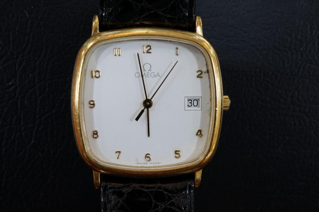 No.374  OMEGA (オメガ)クォーツ腕時計を修理しました