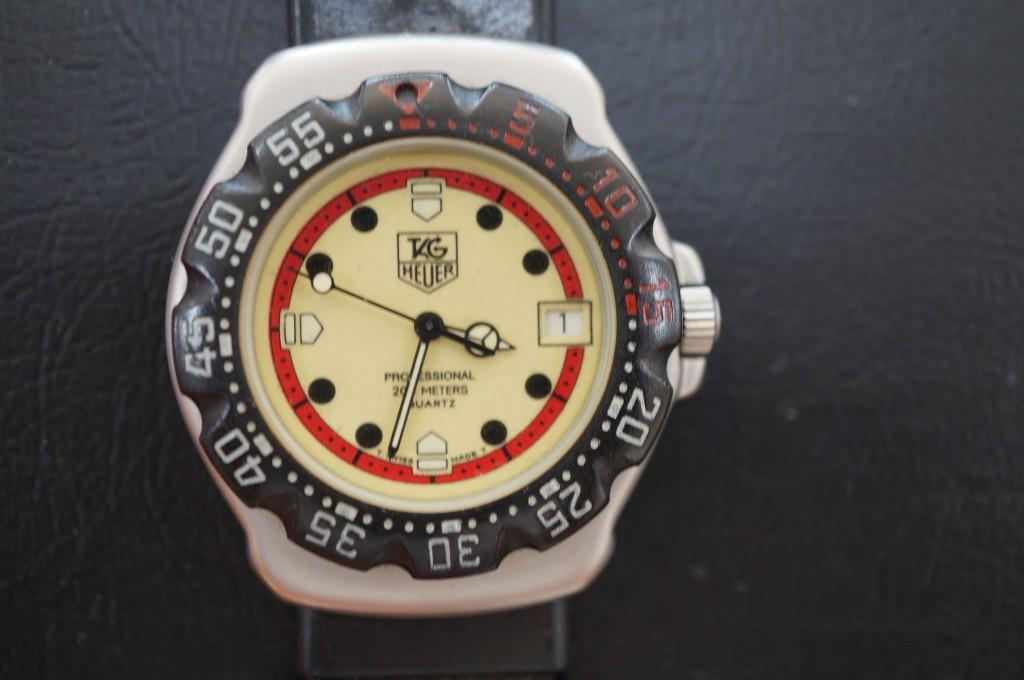 No.370  TAG HEUER (タグホイヤー)クォーツ腕時計を修理しました