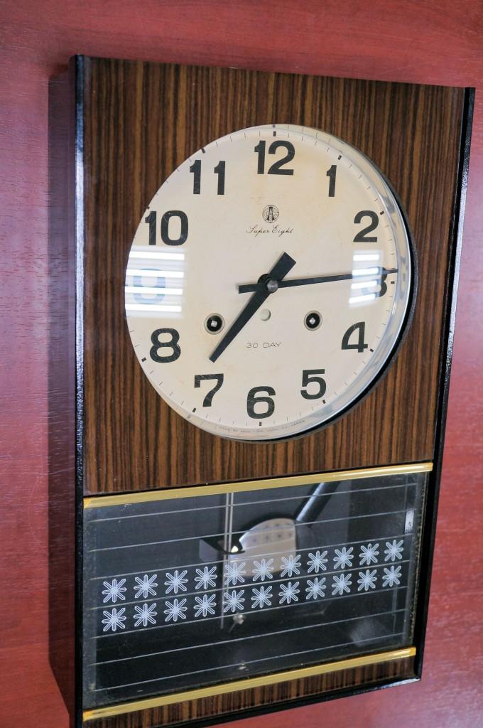 No.468  AIKOSHA(愛工舎)ゼンマイ式掛け時計を修理しました