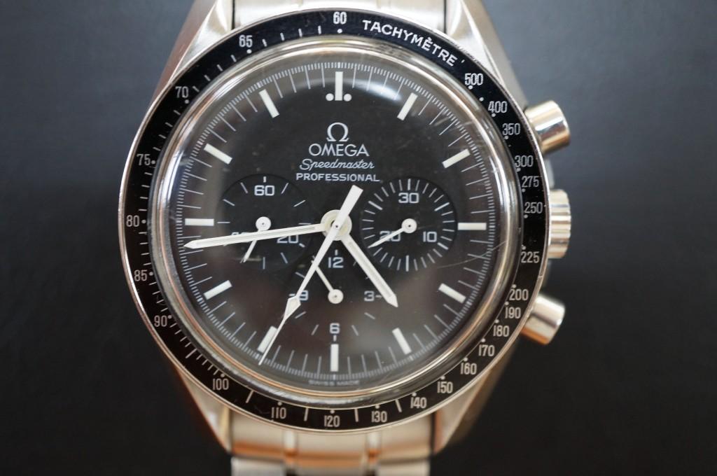 No.466  OMEGA  Speedmaster(オメガ スピードマスター)手巻き腕時計を修理しました