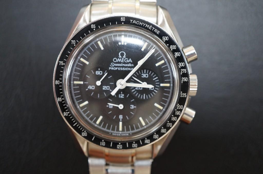 No.462  OMEGA  Speedmaster(オメガ スピードマスター)手巻き腕時計を修理しました