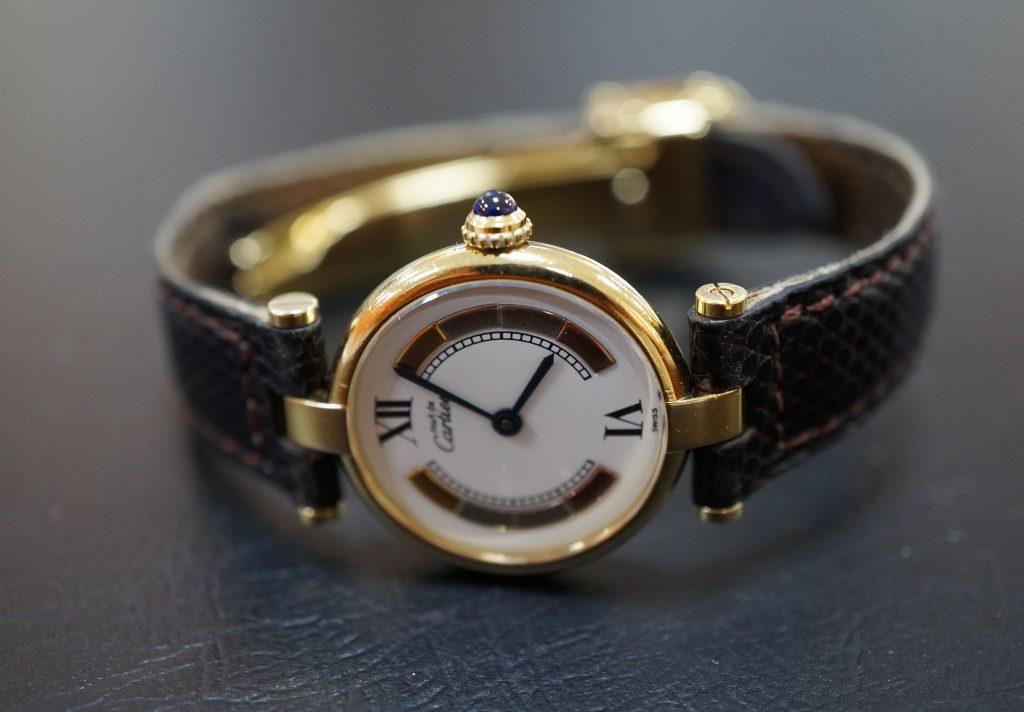 No.513  CARTER(カルティエ)クォーツ腕時計を修理しました