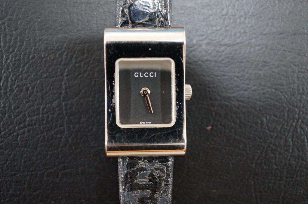 No.551  GUCCI (グッチ) クォーツ腕時計を修理しました