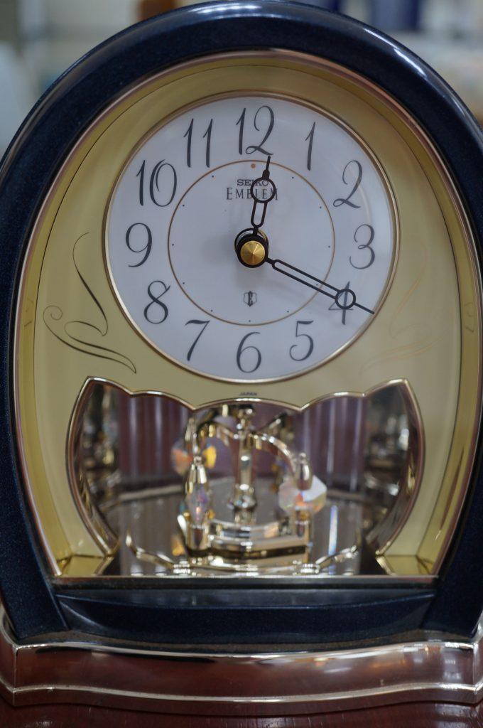 No.567   SEIKO (エンブレム)  クォーツ置時計を修理しました