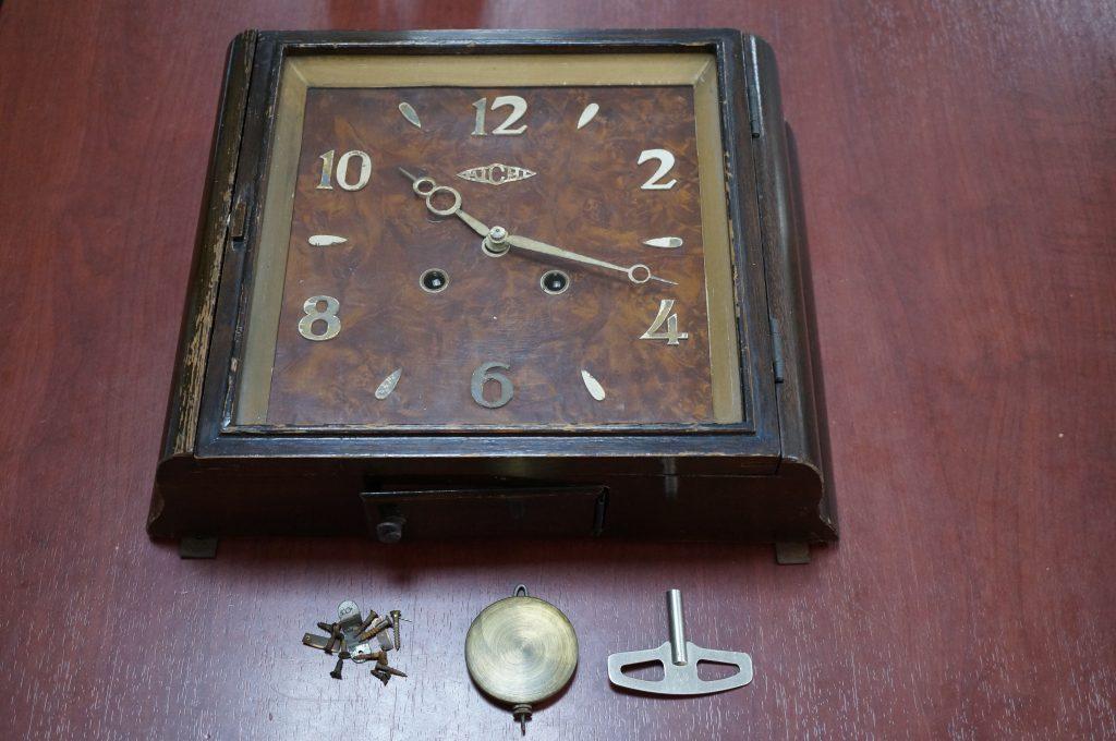 No.561  アイチ アンティーク掛け時計を修理しました