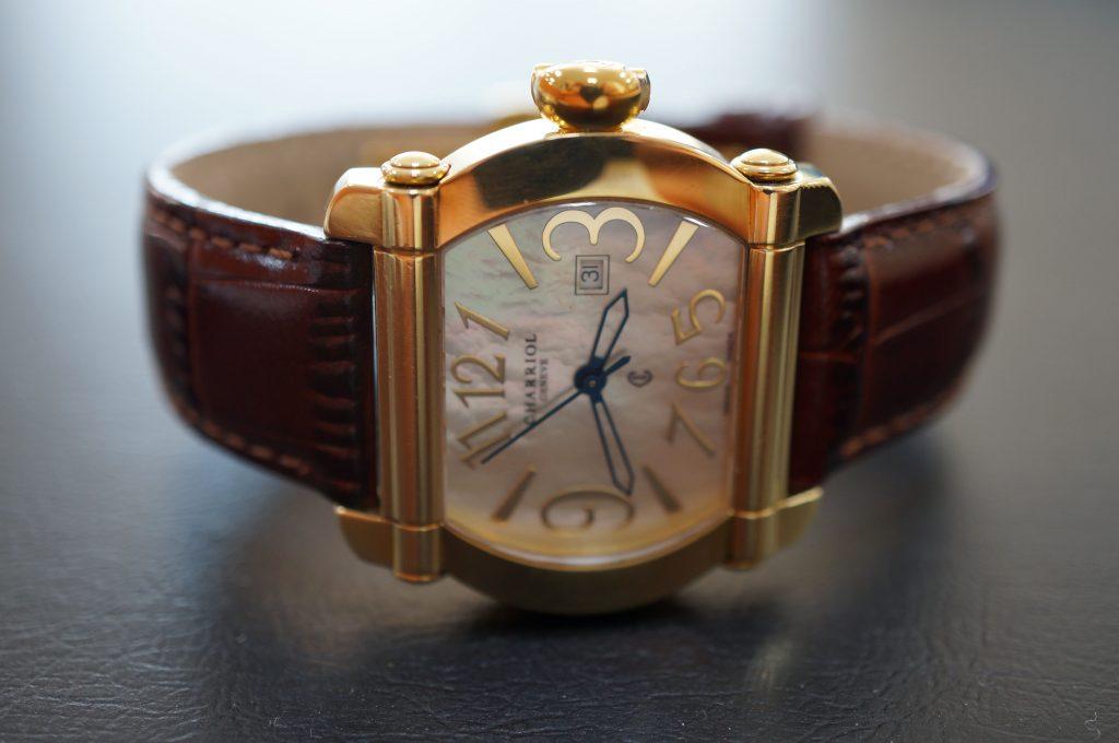No.623   CHARRIOL(シャリオール) クォーツ腕時計を修理しました