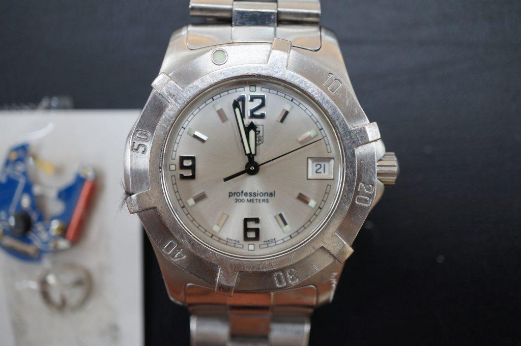 No.606  TAG HEUER (タグホイヤー プロフェッショナル) クォーツ腕時計を修理しました