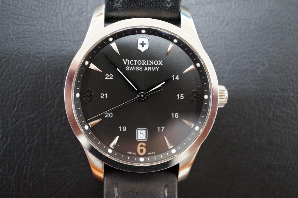 No.576   VICTORINOX  SWISS ARMY  クォーツ腕時計を修理しました