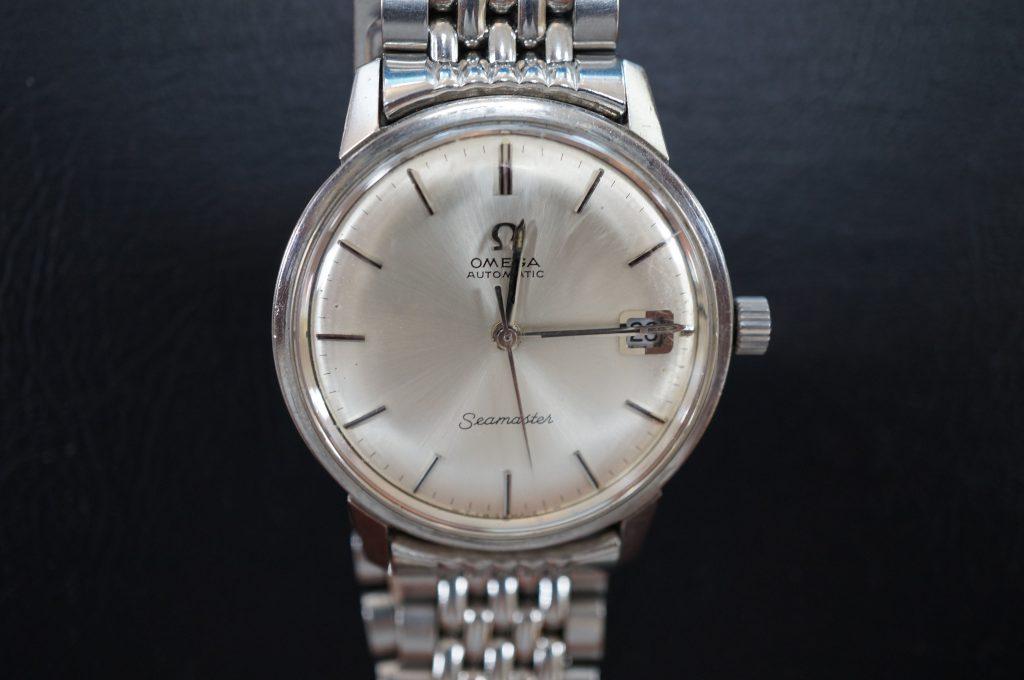 No.677  OMEGA Speedmaster (オメガスピードマスター) 自動巻き腕時計を修理しました