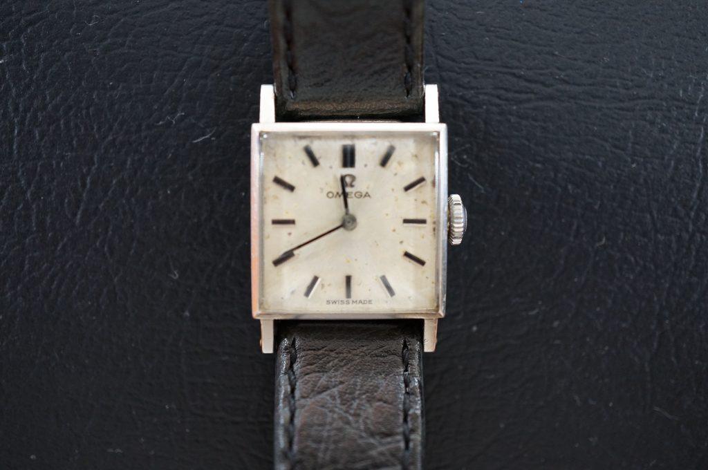 No.667  OMEGA  (オメガ) アンティーク 手巻き腕時計を修理しました