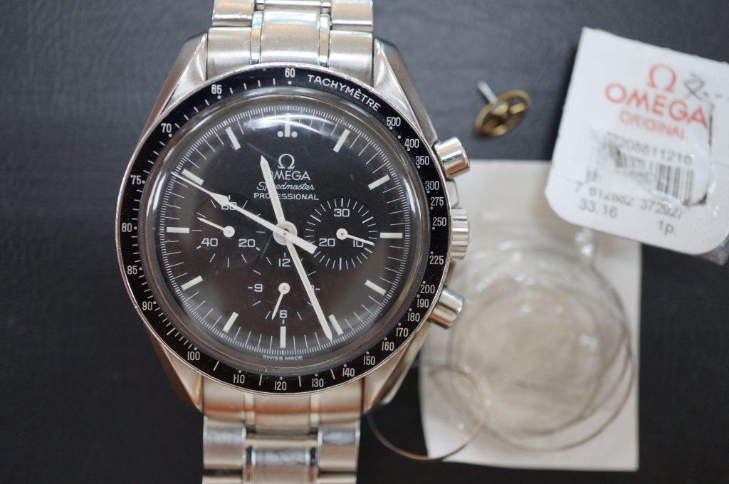 No.665  OMEGA Speedmaster (オメガスピードマスター) 自動巻き腕時計を修理しました