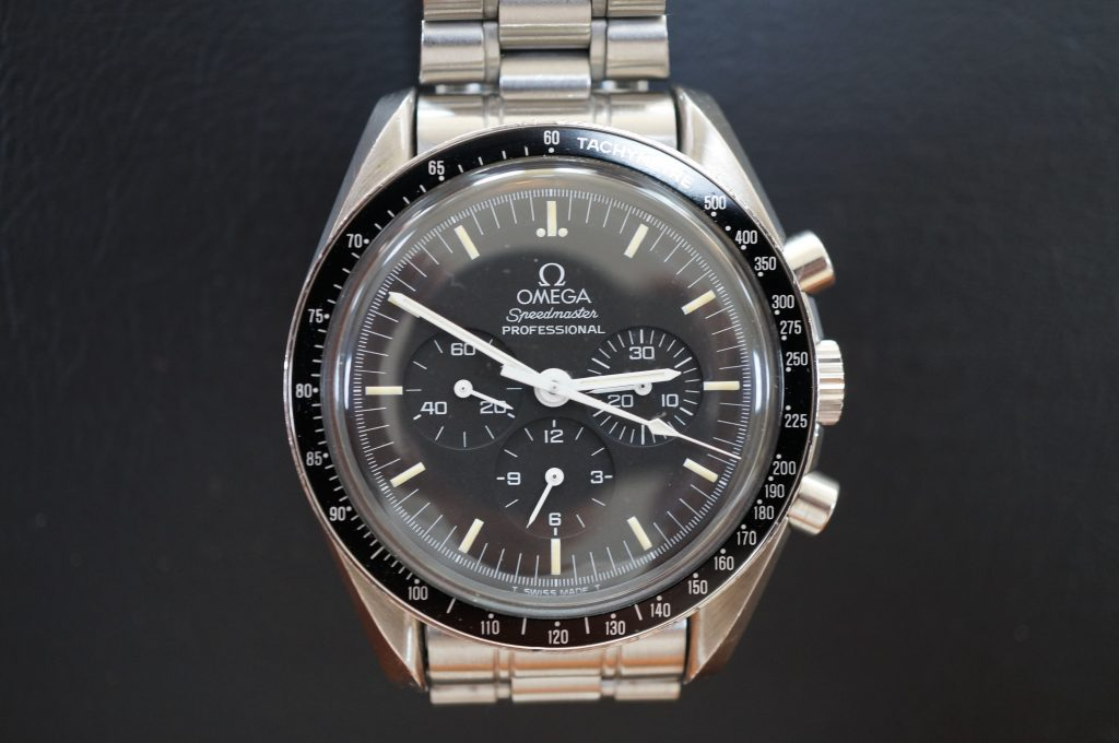 No.735  OMEGA Speedmaster (オメガスピードマスター) 自動巻き腕時計を修理しました