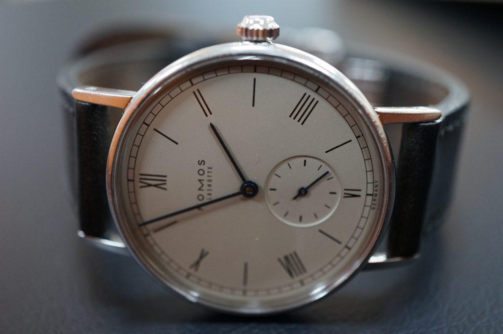 No.804  NOMOS (ノモス) 自動巻き腕時計を修理しました