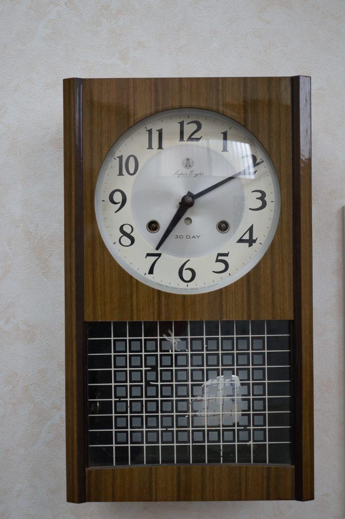 No.819  AIKOSHA(愛工舎)ゼンマイ式掛け時計を修理しました