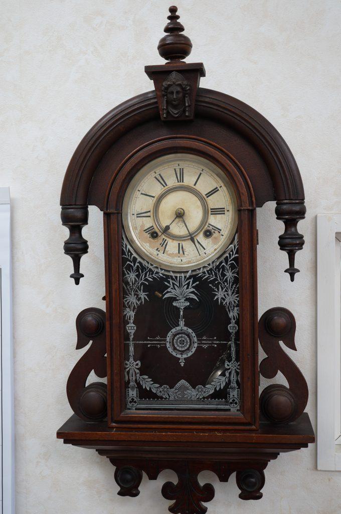 No.820   アンティーク  ゼンマイ式掛け時計を修理しました