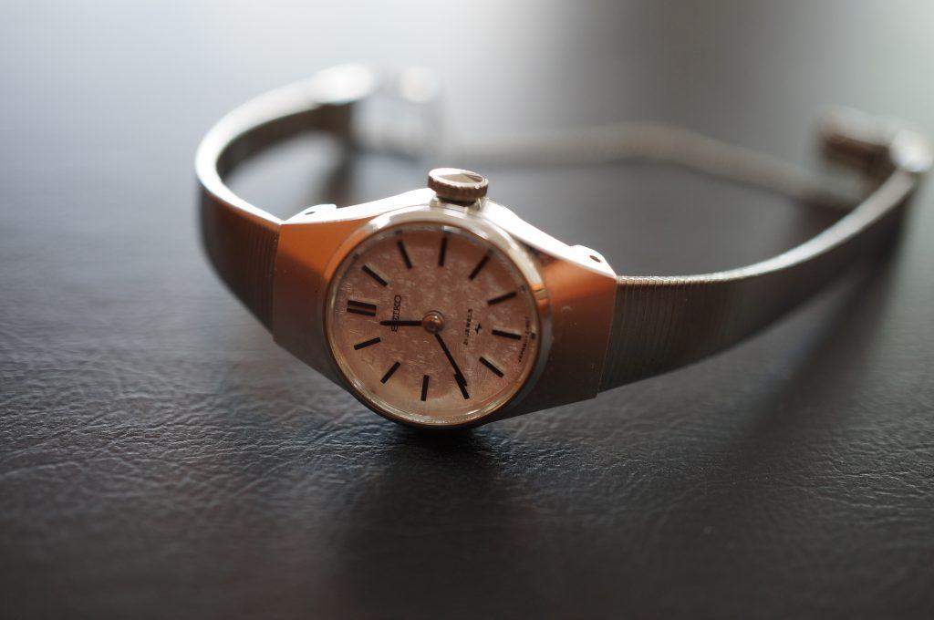 No.834  SEIKO  (セイコー) クォーツ腕時計を修理しました