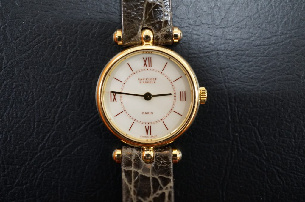 No.839  VANCLEEF & ARPELS  (ヴァンクリーフアーペル) クォーツ腕時計を修理しました