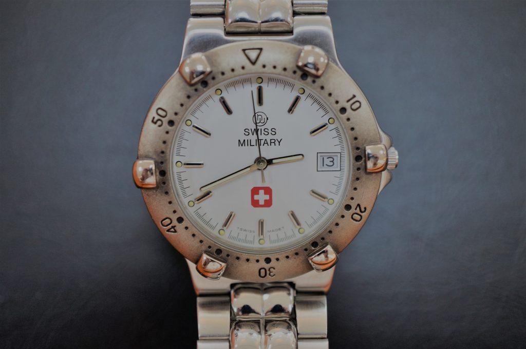 No.927  SWISS MILITARY  (スイスミリタリー) クォーツ腕時計を修理しました