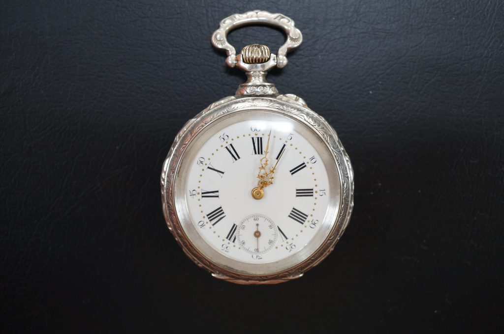 No.935  アンティーク懐中時計を修理しました