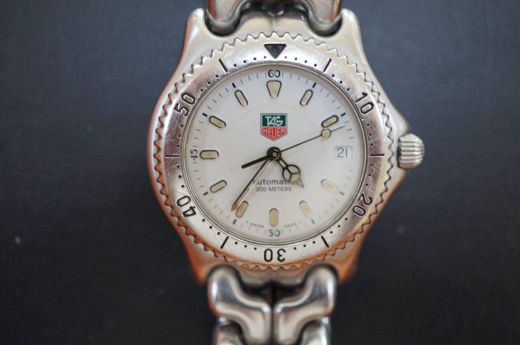 No.1005  TAG HEUER (タグホイヤー) 自動巻き腕時計を修理しました