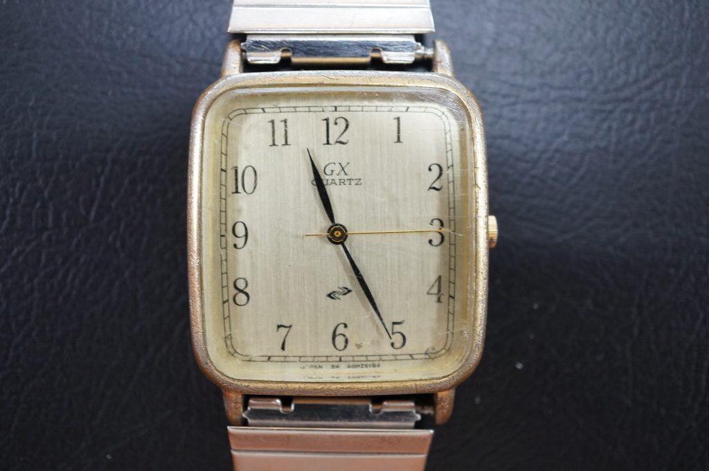 No.986  GX クォーツ腕時計を修理しました