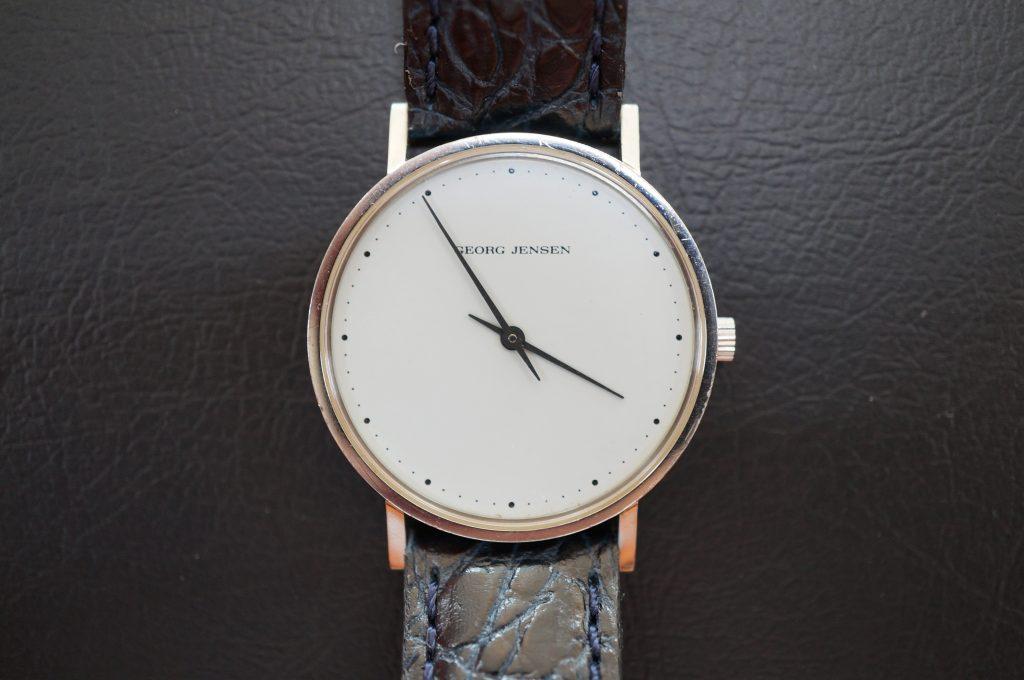 No.977  GEORG  JENSEN (ジョージ ゼンセン) クォーツ腕時計を修理しました