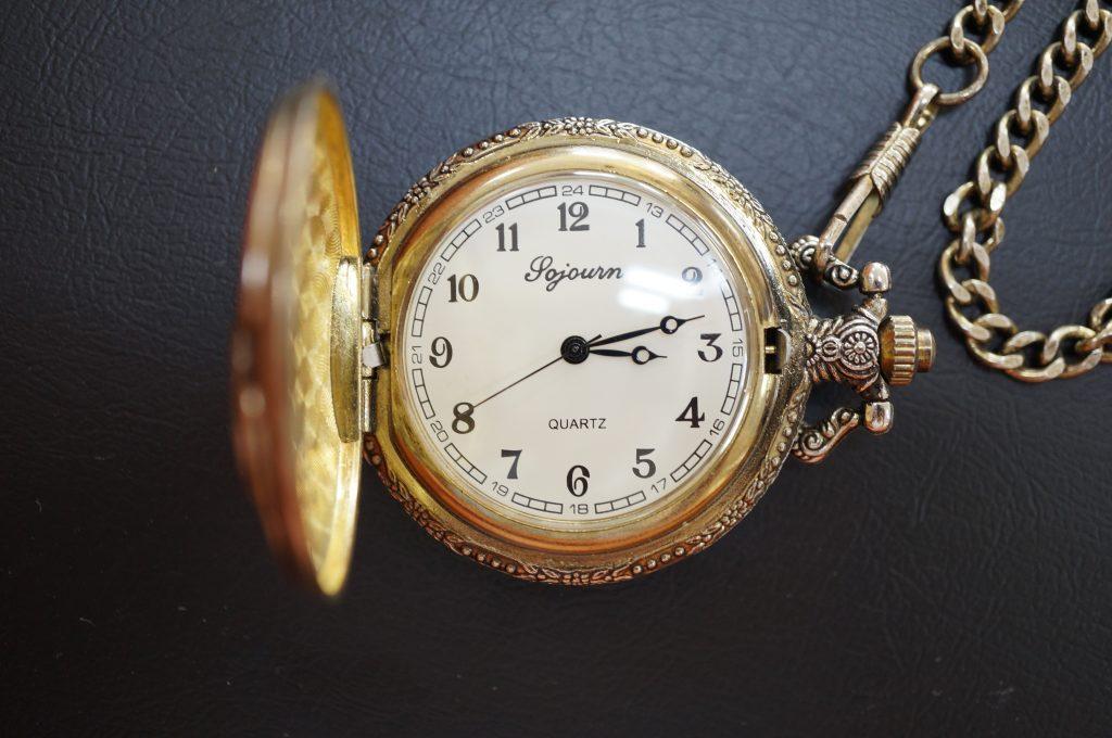 No.1008  Jojourn (ジョジョーン) クオーツ式懐中時計を修理しました