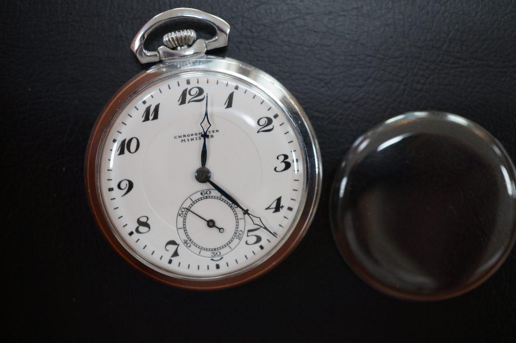 No.1120  CHRONOMETER (クロノメーター) 手巻き式腕時計を修理しました