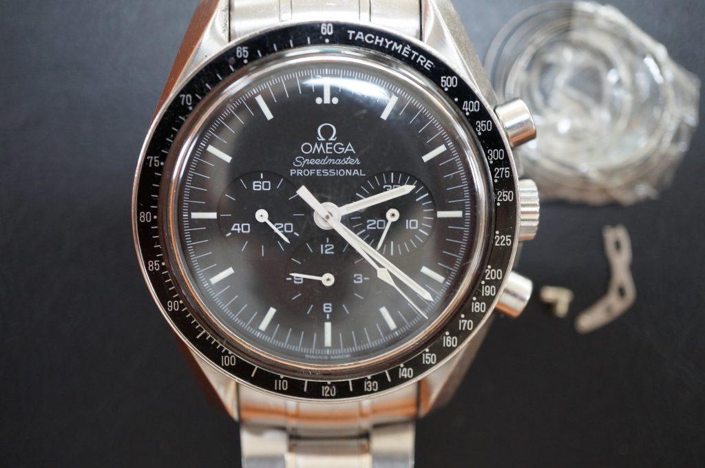 No.1125  OMEGA Speedmaster (プロフェッショナル) 手巻き式腕時計を修理しました