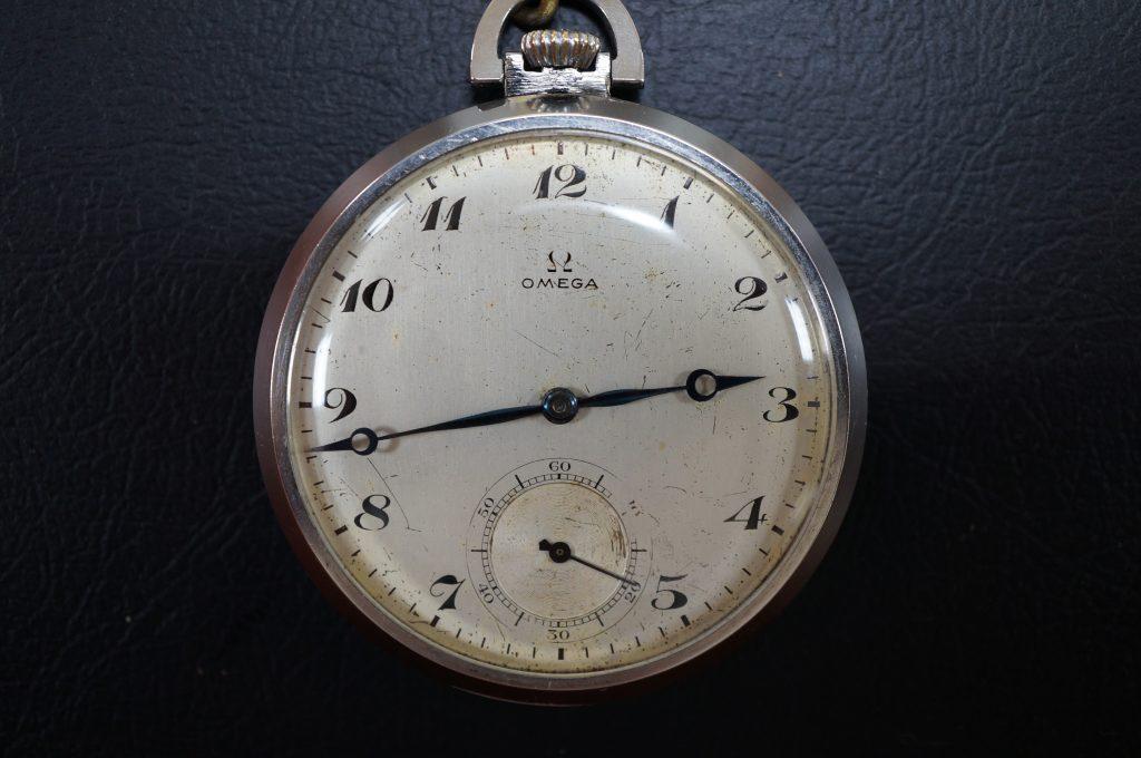 No.1193  OMEGA  (オメガ) 手巻式 アンティーク 懐中時計を修理しました