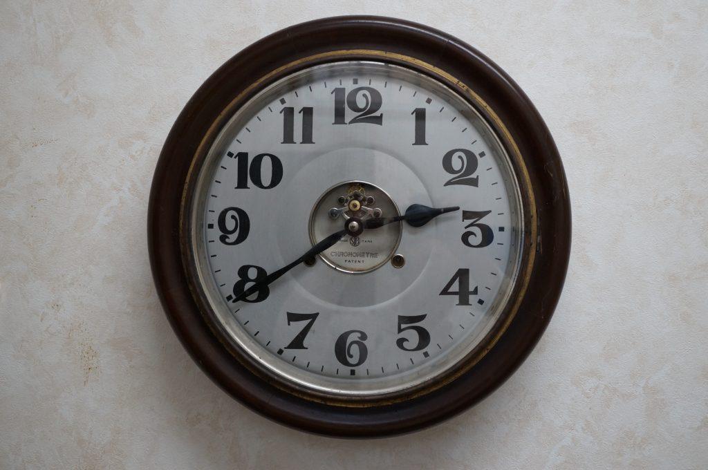 No.1256   アンティーク ゼンマイ式 掛時計を修理しました