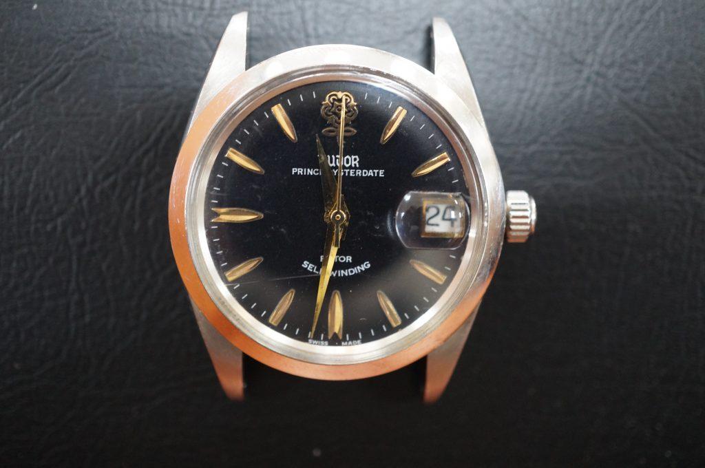 No.1290  TOUOR (チュードル ) 自動巻き腕時計を修理しました