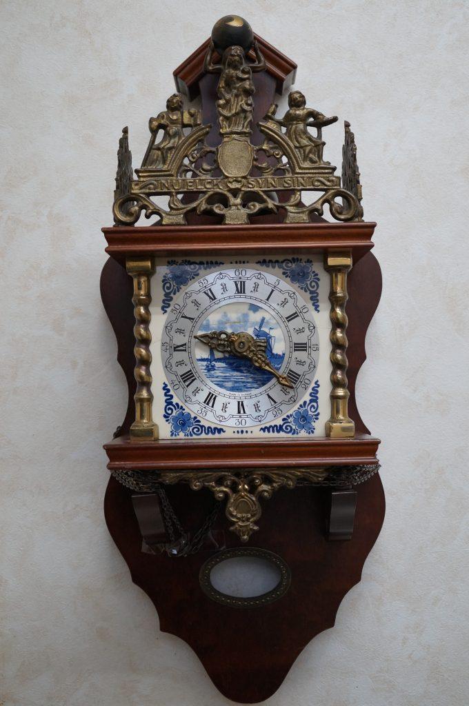 No.1347  ドイツ製(古物)鎖引掛け時計を修理しました