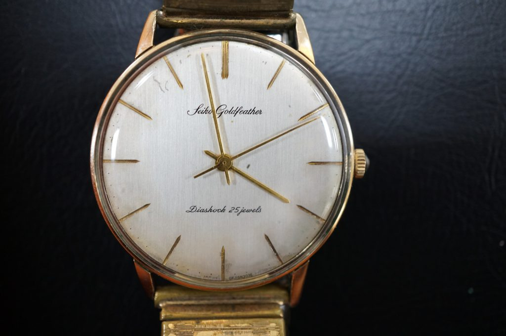 No.1384  SEIKO  (ゴールドフェザー ) 手巻き式 腕時計を修理しました