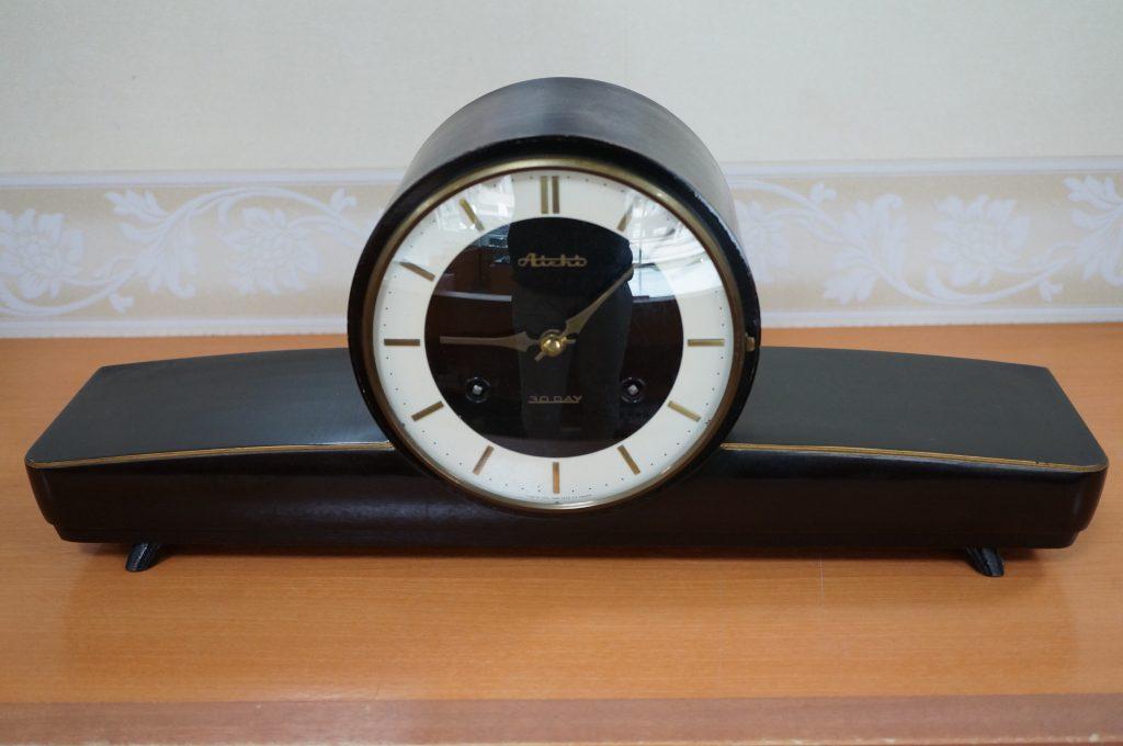 No.1420  アンティーク  ゼンマイ式 置時計を修理しました