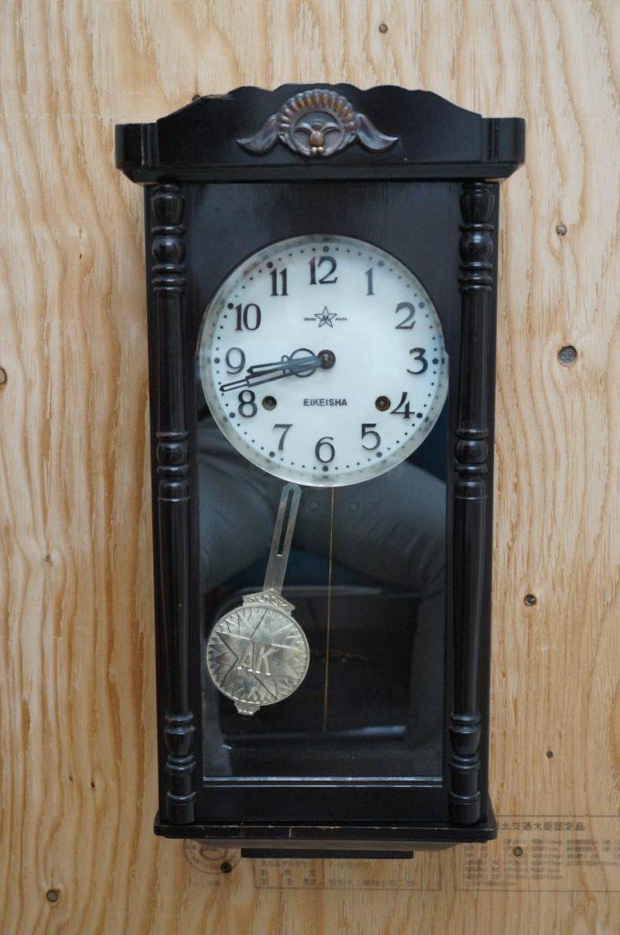 No.1585  SK印古物   ゼンマイ式 掛け時計を修理しました