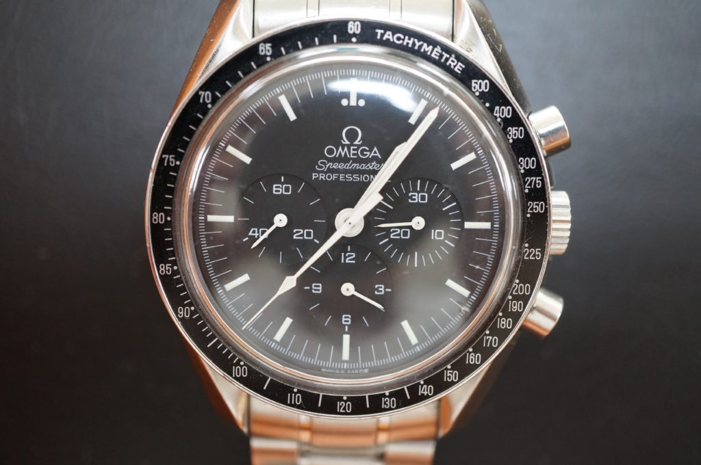 No.1690  OMEGA Speedmaster (オメガスピードマスター) 手巻き式腕時計を修理しました