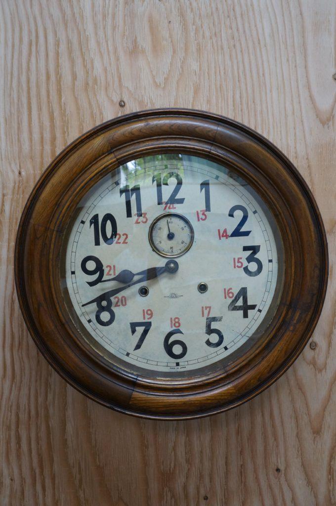 No.1685  アンティーク  ゼンマイ式 掛け時計を修理しました