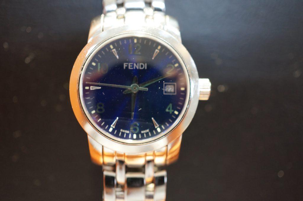 No.1702  FENDI (フェンディ ) クォーツ式  腕時計を修理しました
