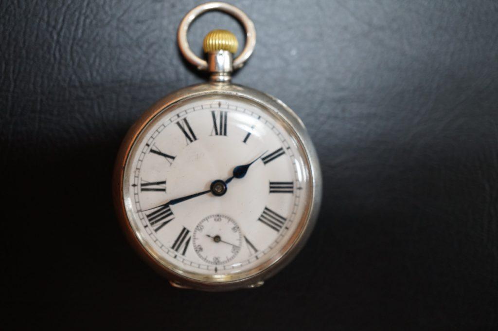 No.1781  アンティーク 手巻き式 懐中時計を修理しました