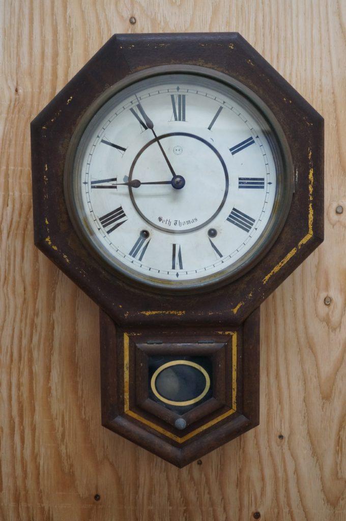 No.1789  アンティーク 手巻き式 掛け時計を修理しました
