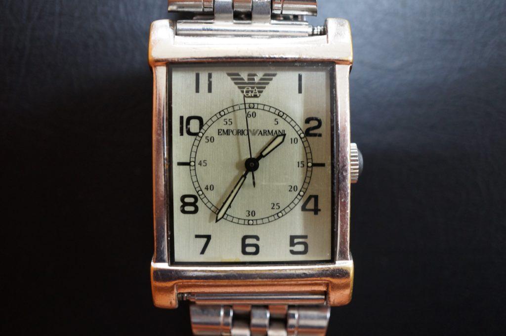 No.1923  EMPORIO  (アルマーニ ) クォーツ式腕時計を修理しました