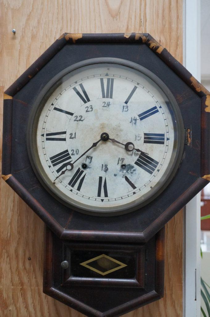 No.2041  アンティーク(アメリカ製) ゼンマイ式 掛け時計を修理しました