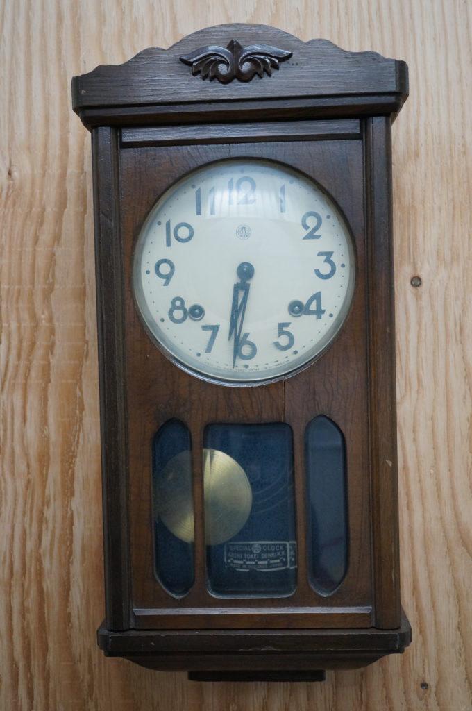 No.2042  アンティーク ゼンマイ式 掛け時計を修理しました