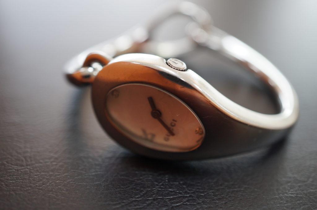 No.2026  GUCCI  (グッチ ) クォーツ式 腕時計を修理しました
