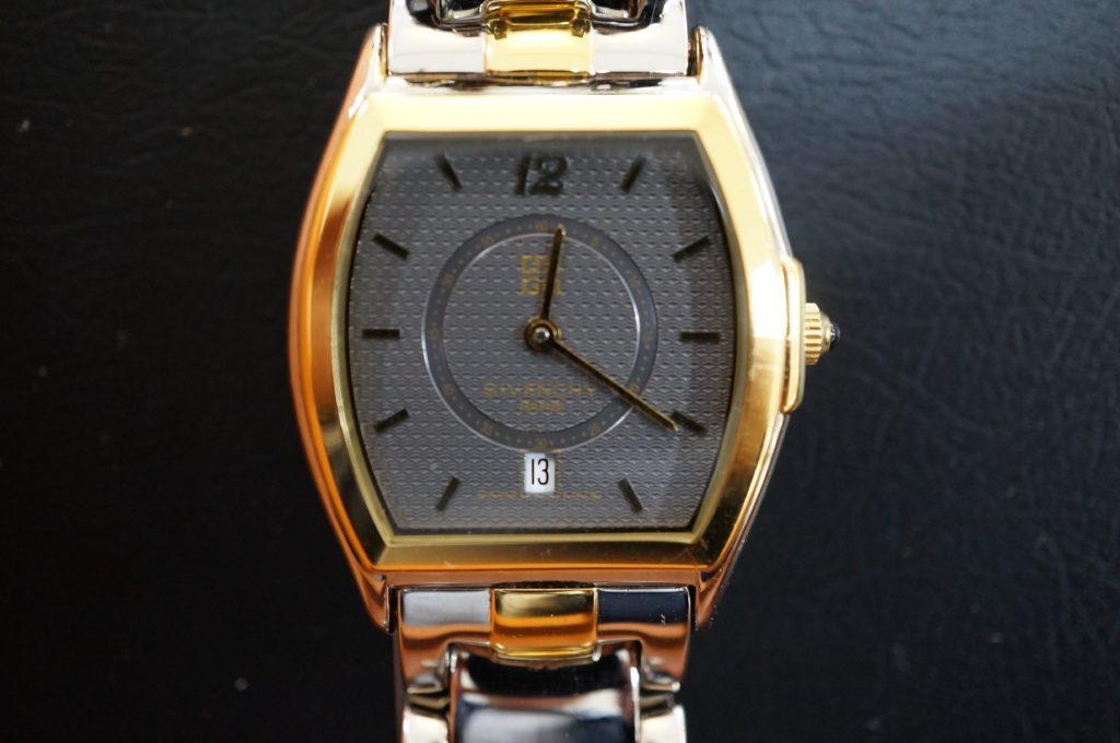 No.2062  GIVENCHY  (ジバンシー ) クォーツ式 腕時計を修理しました