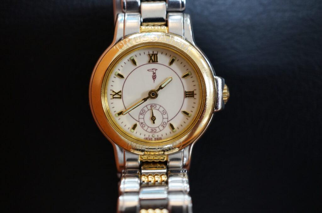 No.2238  TRUSSARDI(トラサルディー) クォーツ式 腕時計を修理しました